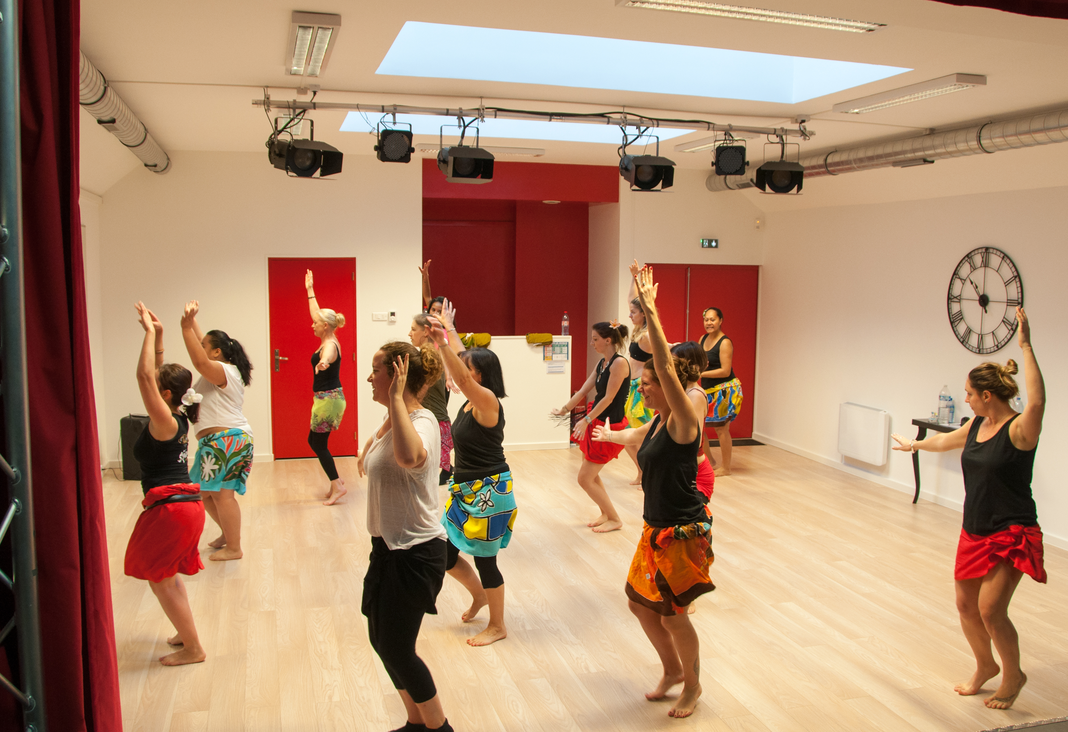 groupe de stagiaires danses polynésiennes Ori tahiti