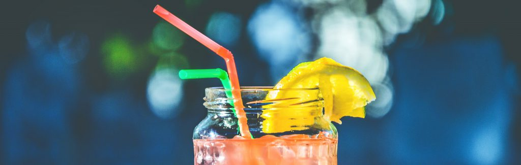 cocktail tropical à base de rhum, idéal pour se projeter dans l'ambiance tahitienne